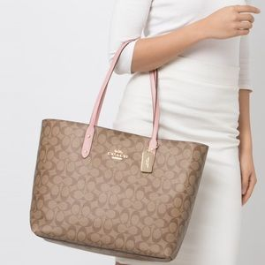 New Coach Signature Town Tote